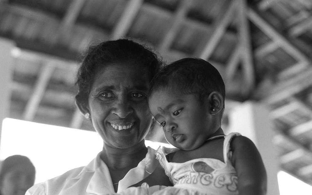 srilankaWomen-2013-low-3.JPG