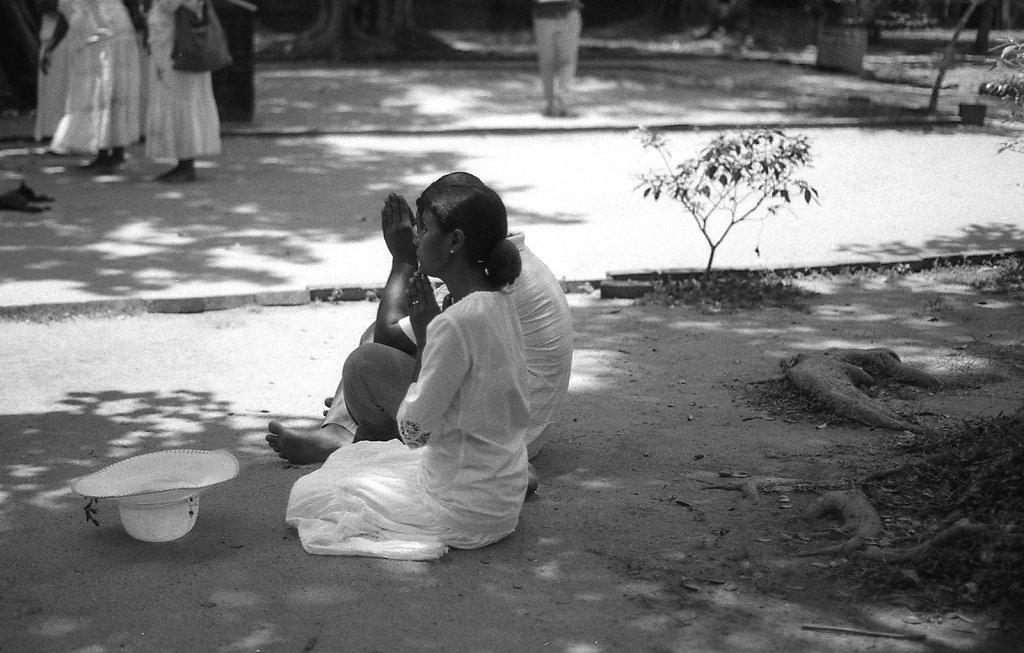 srilankaWomen-2013-low-6.JPG