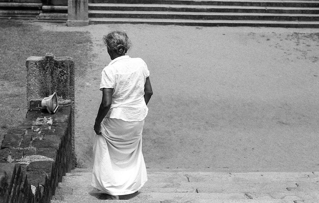 srilankaWomen-2013-low-27.JPG
